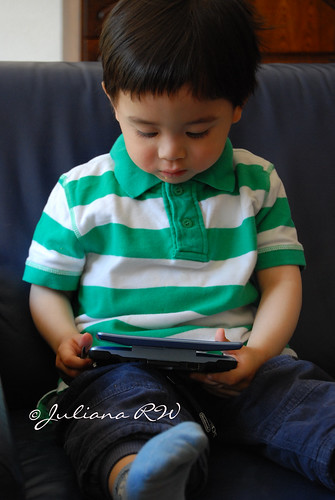 Playing DS - Diego