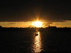 Aussenalster im Sonnenuntergang (Billstedter) Tags: sonnenuntergang hamburg segelboot aussenalster