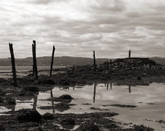Taking a gamble with time and tide (Gareth Timms) Tags: reflection scotland ruins fife decay tide culross firthofforth edinburghdigitalphotographymeetup edpm210609