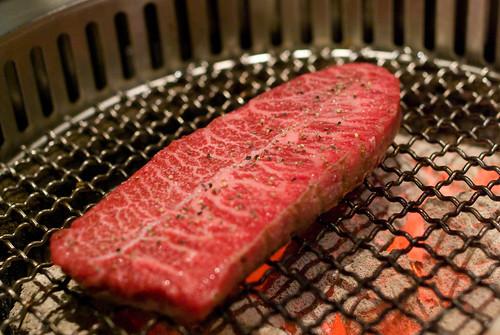 燃 炭火燒肉