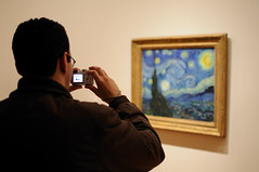Looking at a Starry Night (Charlemagne OP) Tags: people ny newyork art museum picture moma vangogh starrynight 6690 d90project
