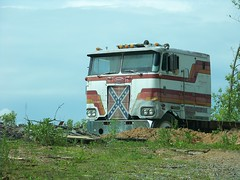 Rebel Stand (Dave* Seven One) Tags: tractor rot history abandoned nature neglect rebel rust time decay flag semi confederate chrome forgotten pete past dents peterbuilt crome fallingapart starsandbars southernpride