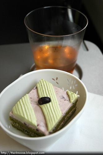 CX 503 - Matcha Azuki Cake