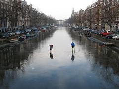 Amsterdam Keizersgracht: Skating on Water? (JaaSi) Tags: amsterdam skating keizersgracht lastdayofice