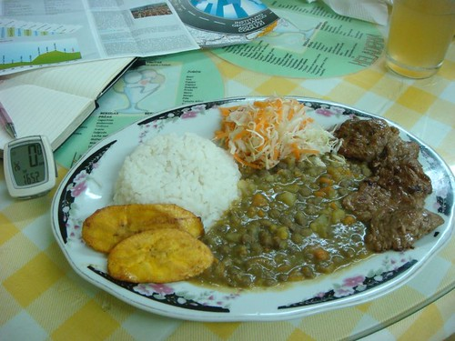 A long day in the saddle (165 km) deserves a hearty meal...Zarzal, Colombia.