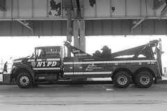 PCAR NYPD Traffic Enforcement Police Towing Truck, New York City (jag9889) Tags: county city nyc blue ny newyork ford car truck automobile ebay traffic manhattan police nypd financialdistrict company transportation vehicle borough tow 2009 department fdrdrive lawenforcement southstreet finest towing 4400 firstresponders binc pcar newyorkcitypolicedepartment jerrdan y2009 jag9889