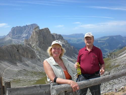 Einzigartiger Blick in die Sagenwelt der Dolomiten (Lankofel und Seiser Alm in der Ferne)