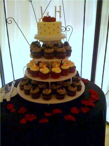 red black and white wedding cakes. Red, Black, and White Wedding