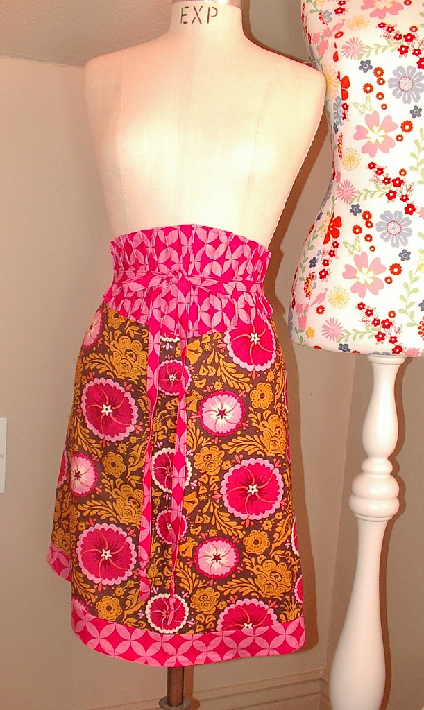 pin tuck waisted apron