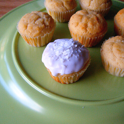 Healthy Grain-Free Coconut Cupcakes
