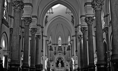 Domus Dei Bom Retiro (J.Cheng) Tags: light shadow bw art scale brasil grey high sopaulo culture pb christian saida tradition tones bomretiro colum fotografica gotic catolic blackwhitephotos