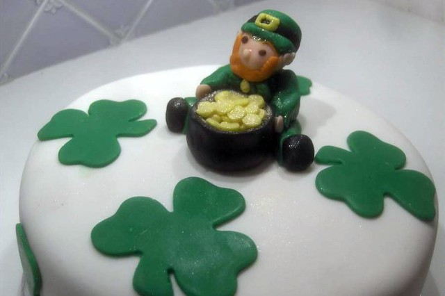 leprechaun cake for saint patrick's day