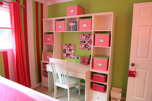 Decorating a Teen Girl's Bedroom