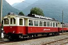 CH Rhb 42 Castione Arbedo 29-09-2004 (peters452002) Tags: railroad travel station train schweiz swiss eisenbahn rail railway zug bahnhof trains sbb etrain bahn railways ch trein railroads spoor ffs spoorwegen switserland treinen twop ferrovia zwitserland rhb cff rhtischebahn seft appenzellerbahn sbbcffffs retica viafierretica clickcamera jalalspagestransportationalbum peters452002 abe44 ferroviamesolcinese rhb42 castionearbedo