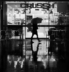 CrusSh (Ian Brumpton) Tags: street uk england people blackandwhite bw black london rain silhouette night umbrella shower blackwhite calle strada shadows noiretblanc britain candid streetphotography silhouettes monotone showers rue parapluie streetphotographer streetfoto photographia blackwhitephotos infinestyle newacademy stealingshadows monochromaticvisions