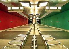 Subway Station (werner boehm *) Tags: subway munich bayern bavaria ubahn werner boehm estremità colourartaward wernerböhm metromunich