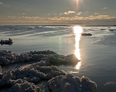 Lake Huron in Winter 1 (Conrad Kuiper) Tags: winter sunset sky lake ice water 2009 goderich blueribbonwinner aplusphoto astoundingimage spiritofphotography grouptripod fotografiayotros premioflordiamond