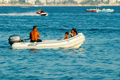 Acapulco, La felicidad completa... / The complete hapiness (redux) (Martintoy) Tags: family sea familia mexico mesoamerica boat mar nikon enjoy acapulco nikkor enjoying bote guerrero nikoncapture d80 nx2 1855mmf3556gedii
