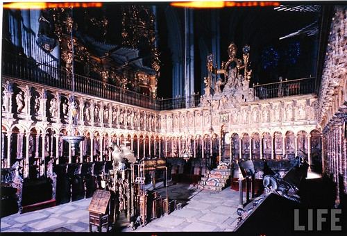 Interior de la Catedral de Toledo en 1963. Fotografía de Dmitri Kessel. Revista Life (5)