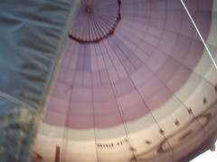 P4050277 (mariobiemans) Tags: ballon april 2009 varen
