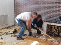 Jonas och Elisabeth går lös på golvet