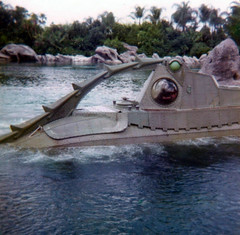 20,000 Leagues Under the Sea - Disney Aug 1974 - E Ticket Ride at Fantasy Land (wlcausey) Tags: camera florida disneyworld imperial instamatic fantasyland nautilus 126 eticket giantsquid theride 126film 20000leaguesunderthesea captainnemo 20kleaguesunderthesea