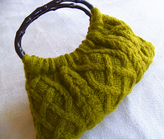 Ravelry Fashion Cable Knit Bag Pattern By Patons