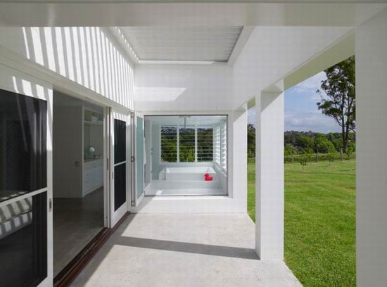 04 Sharon Fraser Modern House - Porch Toward Entry