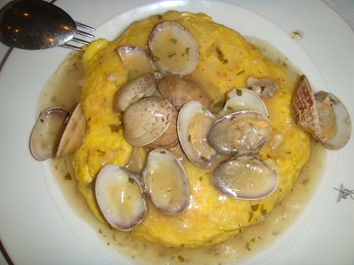 Tortilla marinera con almejas