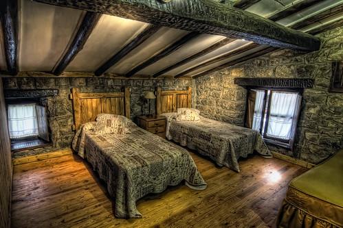 Cabaña de Piedra La Silla de la Reina -Treceño - Cantabria - Dormitorio 1