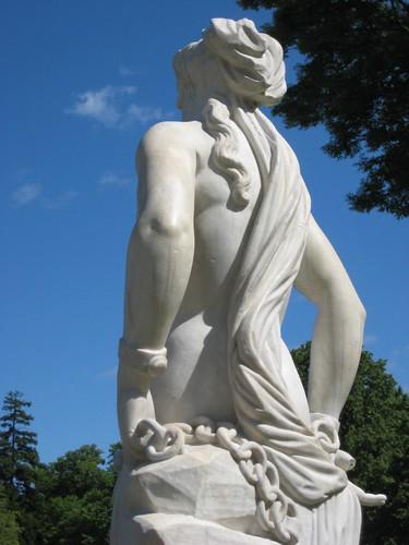 I love statues