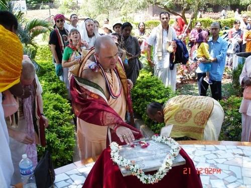 H H Jayapataka Swami in Tirupati 2006 - 0022 por ISKCON desire  tree.