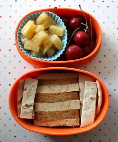 Kindergarten Bento #330: May 27, 2010