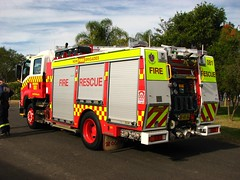 NSW Fire Brigades Isuzu Fire Rescue truck Windsor 081 (Highway Patrol Images) Tags: rescue firetruck fireengine emergency ems isuzu firerescue nswfb rescuetruck nswfirebrigades