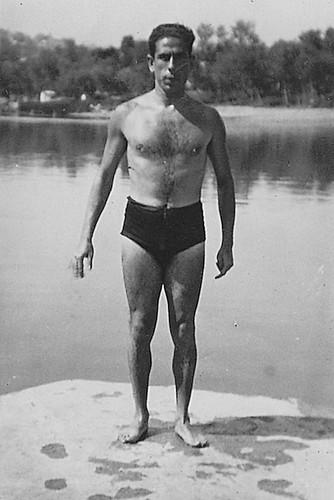 Eduardo Butragueño Bueno en el río Tajo. Años 30.