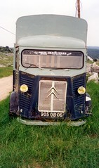 HY kicked into the long grass (daviddb) Tags: citroen tub hy hvan hcar 906qb06