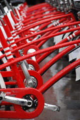 Barna Cycles (pasotraspaso) Tags: barcelona bicycle photography born spain rojo nikon europe photos el line bicicletas pedal barcelone borne d80 aplusphoto pasotraspaso jesussolana gettyimagesspainq1