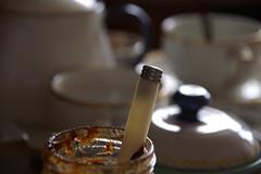 Pure de prunes (Enn') Tags: tasse faence breakfast porcelaine flou cuillre confiture th petitdjeuner ilovefood sucrier beautifulbreakfast views1881 thre