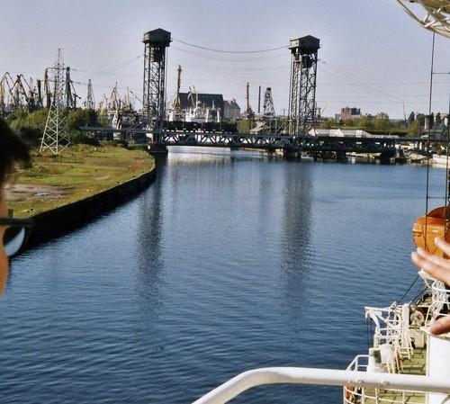 Калининград -  Kaliningrad  Pregel lifting bridge ©  sludgegulper