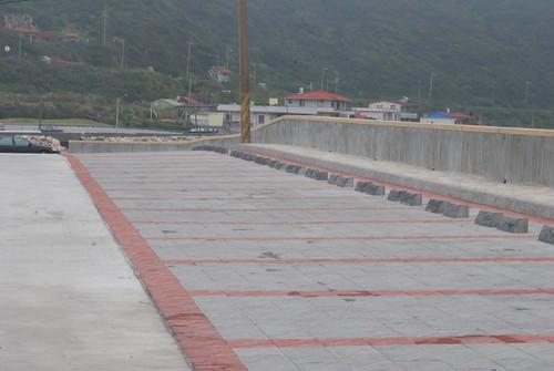 整修完成的和美國小停車場(1)