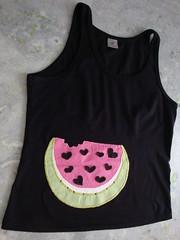 Melância (Jaque Sobral) Tags: artesanato tshirt melancia borboleta coração patchwork camiseta presente watermellon presbiteriana pedraria hortolandia patcholagem jaquesobral
