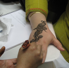 Dimple doing mehndi