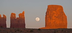 Moon Rise Over Monument Valley (Silver Light Photo) Tags: moon navajo rise monumentvalley fourcorners
