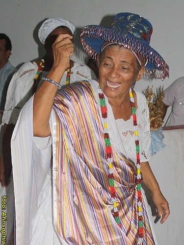 Mãe Emília Sab de Aleluia 42 por você.