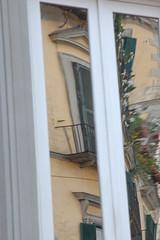 foto finestra riflesso