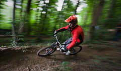 Antoine - downhill (Mr Din) Tags: trees motion forest action hill motioncapture down downhill shade 2009 slope vtt actioncapture dscente