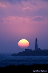 Closeup of the Sun and Pigeon Point Lighthouse (Darvin Atkeson) Tags: ocean california sunset summer portrait usa lighthouse beach america coast us pacific  pigeonpoint    darvin   atkeson platinumphoto  darv   alemdagqualityonlyclub liquidmoonlightcom liquidmoonlight pigeonpoinglighthouse