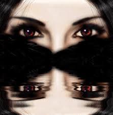Los ojos oscuros... Divino tesoro. Brillan cuando más se emocionan. Y dicen mucho más cuando permanecen tranquilos.