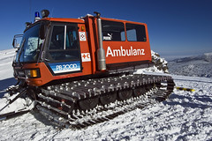 Ambulanz (Martin Isaac) Tags: mountain snow geotagged december ambulance bulgaria rila 2008 borovets ambulanz yastrebets    geo:lat=42226865 geo:lon=23581123 pb200d