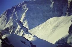 Closeup Jomo Langma 8848 metres (reurinkjan) Tags: 2002 nature nikon tibet everest rongbuk tingri jomolangma tibetanlandscape janreurink བོད། བོད་ལྗོངས།